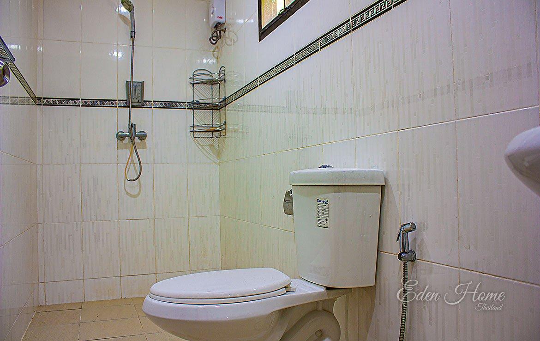 apartment's bathroom