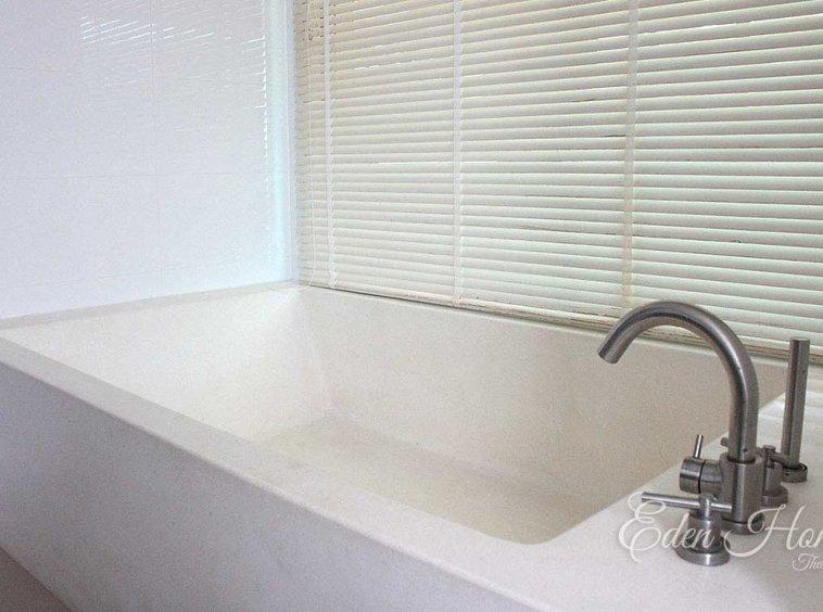 EHS-252 Bathtub