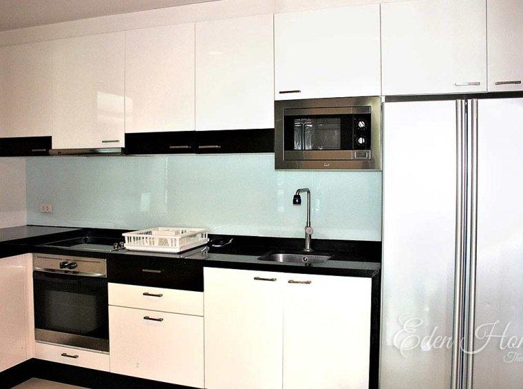 EHS-252 Kitchen